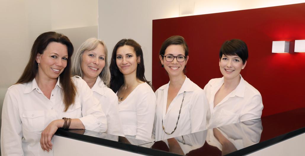 Augenärztin Dr. Ingrid Haritoglou und das Team der Augenarztpraxis Ismaning