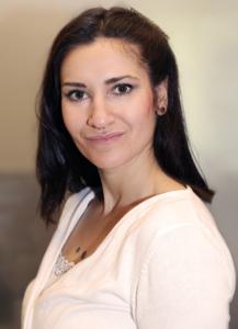 Pia Meznar, secretária, consultório Dra. Ingrid Haritoglou